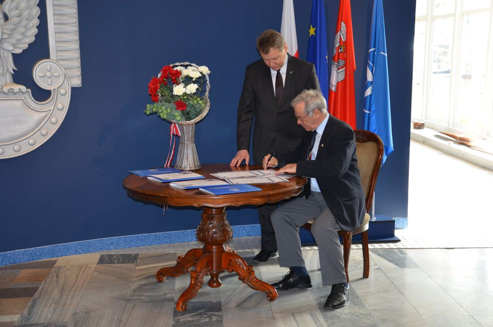 Podpisanie umowy z ZG SSLW RP - 2