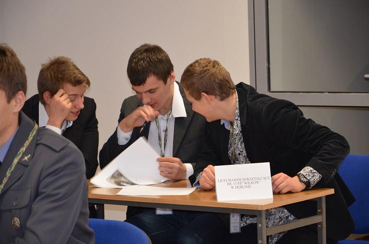 konkurs wiedzy o lotnictwie -uczniowie LO w Dęblinie