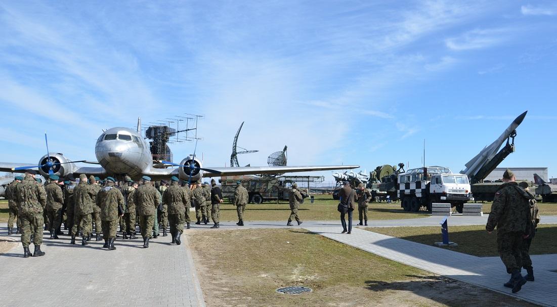Wizyta studyjna w Muzeum Sił Powietrznych w Dęblinie uczestników Odprawy Dowódcy DGRSZ