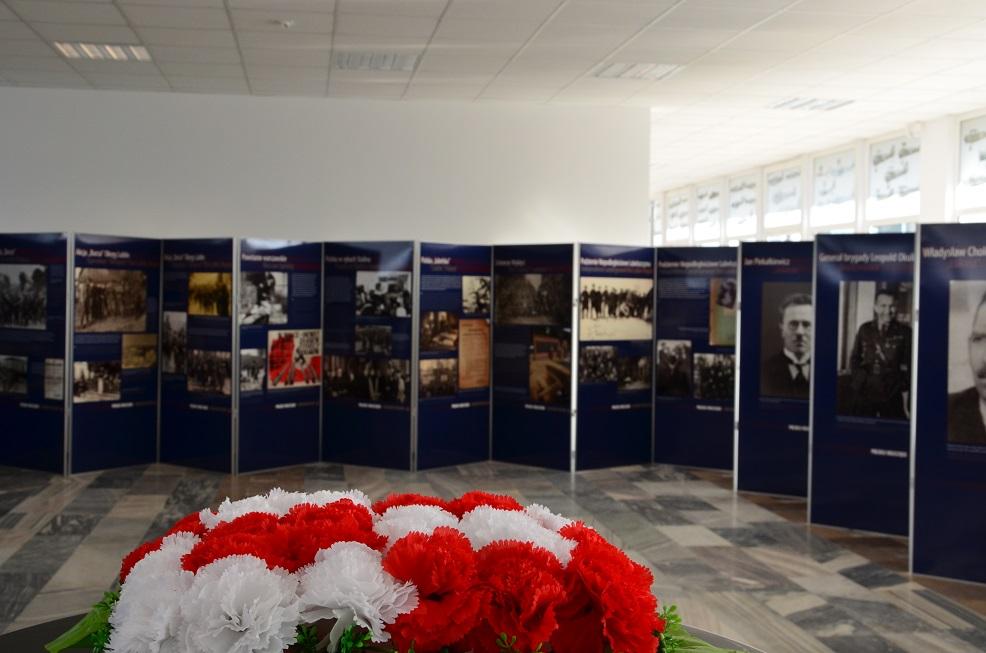 Wystawa IPN Polska Walcząca _ Muzeum Sił Powietrznych w Dęblinie