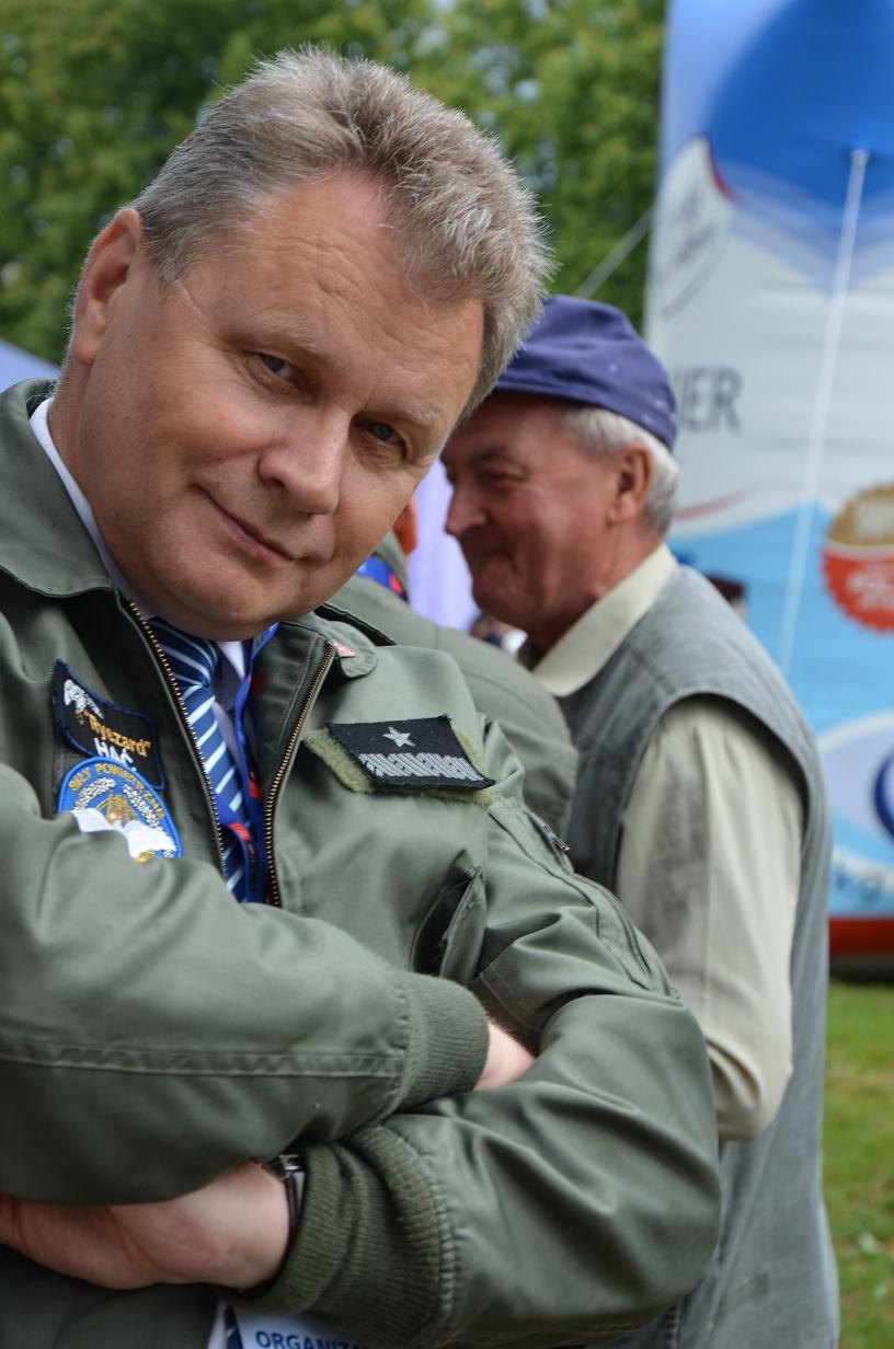 Piknik rodzinny Lublin 09.07.2016 stoisko MSP - czuwający nad wszystkim generał Hać