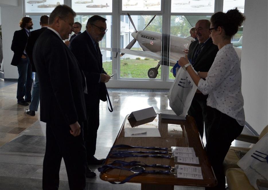 konferencja-w-muzeum-sil-powietrznych-22-09-2016-rejestracja-uczestnikow