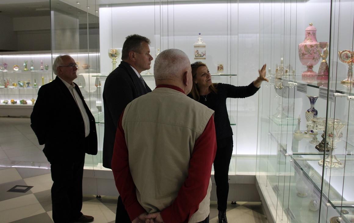 muzeum-karkonoskie-w-jeleniej-gorze-oprowadzanie-kuratorskie