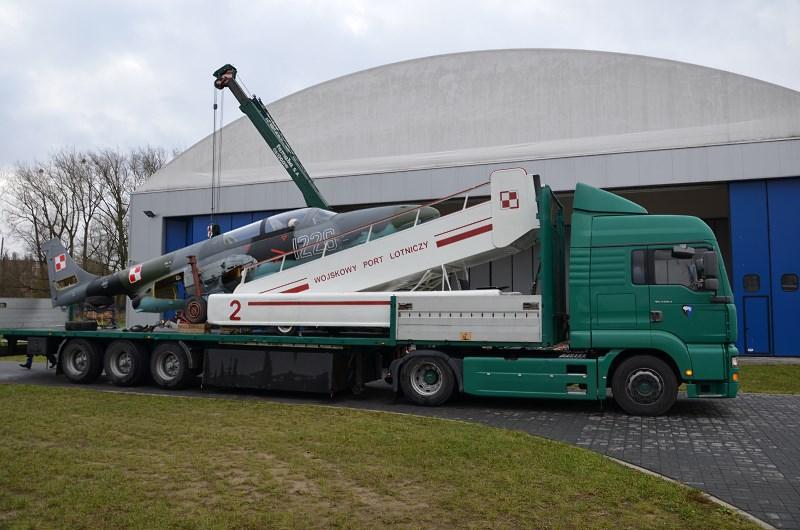 transport-ts-11-iskra-nr-1226-muzeum-sil-powietrznych-w-deblinie-2