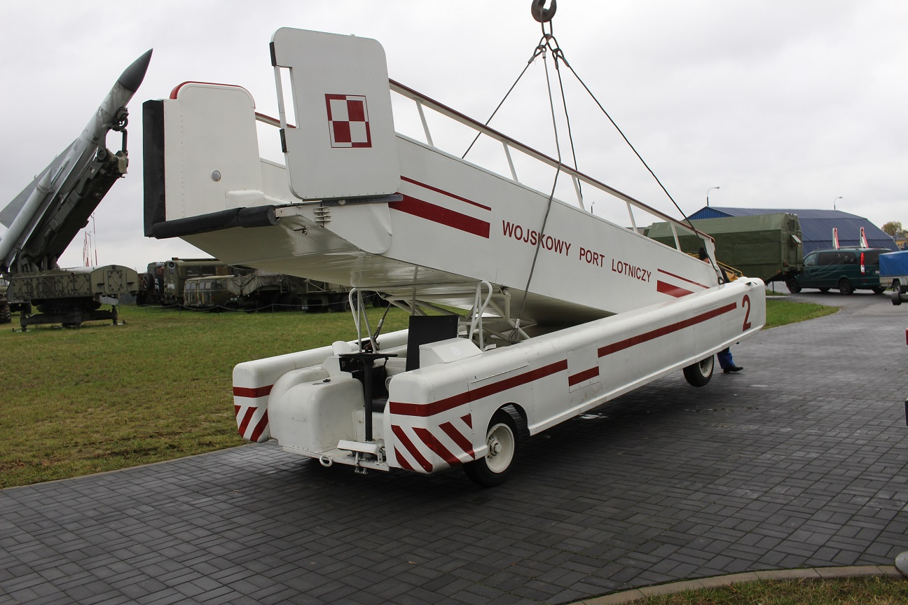 transport-trapu-do-jak-40
