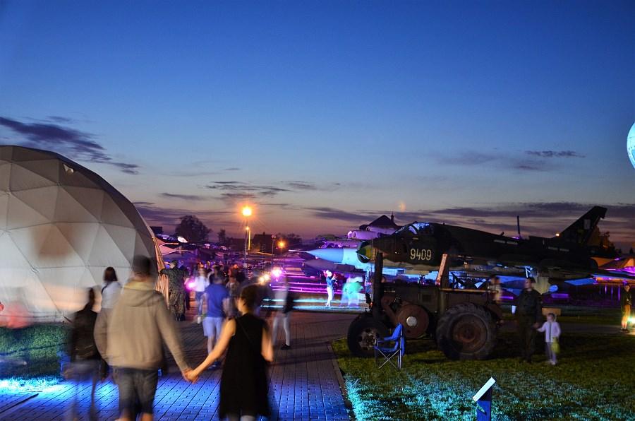 Europejska Noc Muzeów w Muzeum Sił Powietrznych w Dęblinie (2) - iluminacja