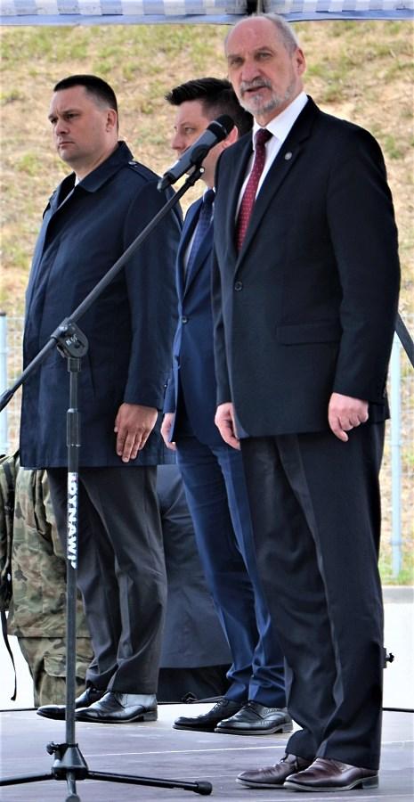 Minister Antoni Macierewicz otwierający ProDefense Ostróda 2017S